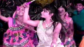 Non-Stop Gujarati Garba & Dandiya | Dhinka Chika Bollywood Dandiya