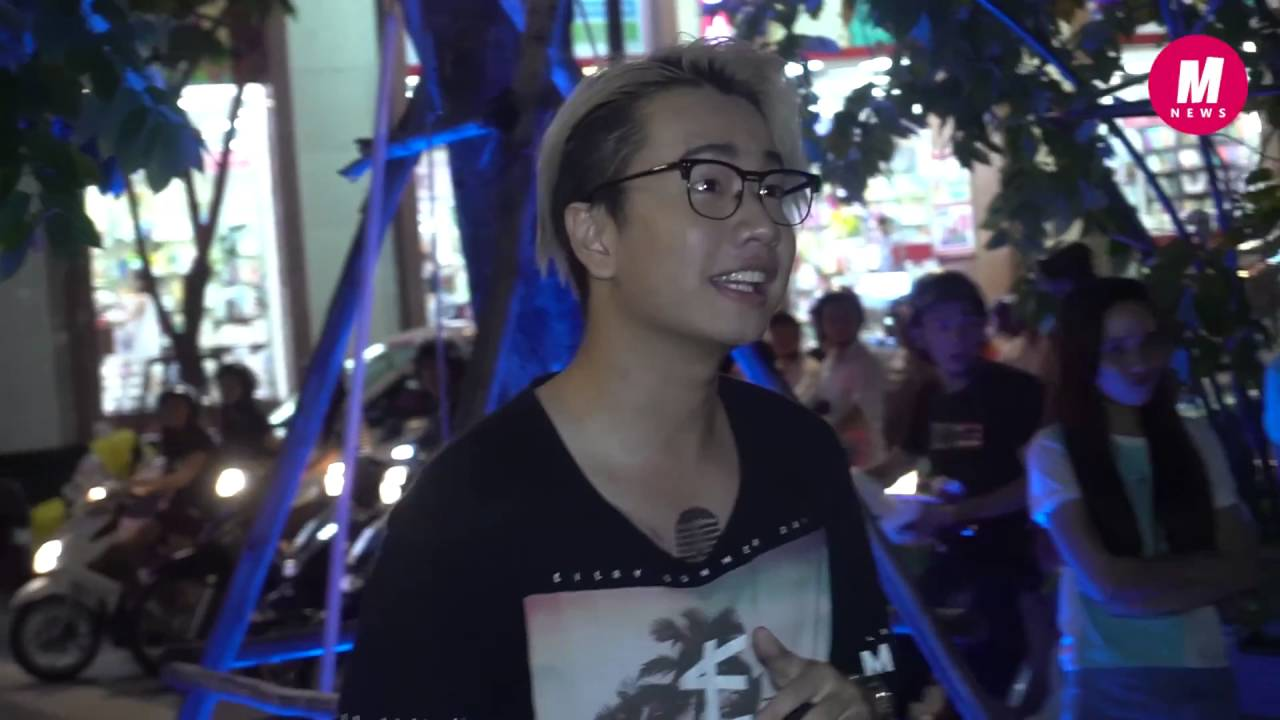 Lou Hoàng ra phố đi bộ hát theo lời thách thức của Only C