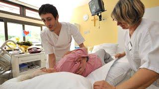 Pflege-Report: Die Hilflosigkeit der Pflegekräfte | Panorama 3 | NDR