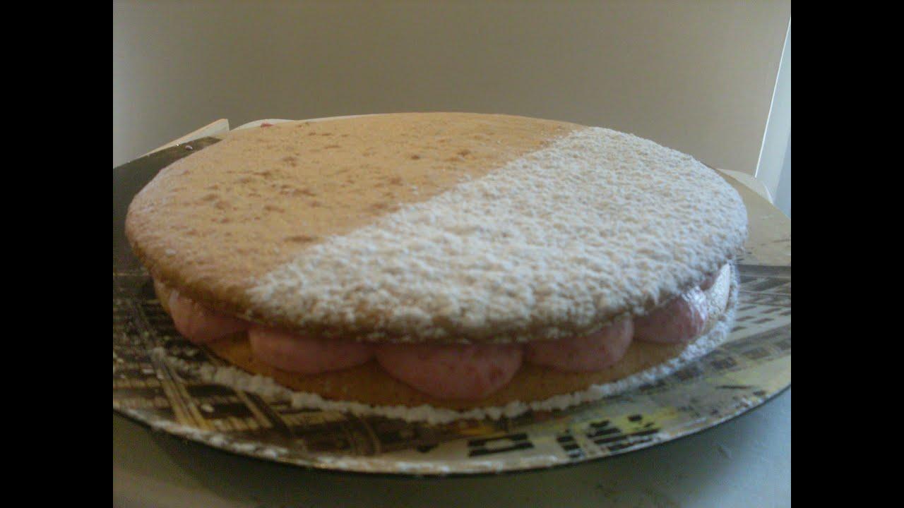 Recette gâteau macaron fourré à la mousse framboise - YouTube