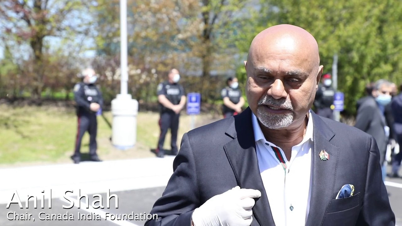 Anil Shah, Chair, CIF at Peel Police HQ for 'Thank you meal' delivery