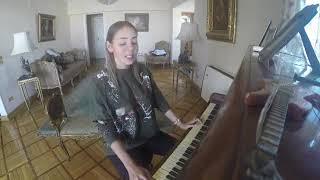 وداع يا دنيا وداع بصوت اجنبية على البيانو