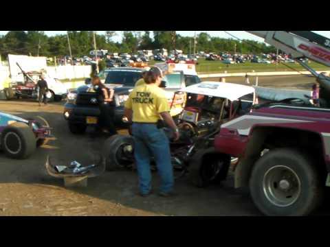 Vintage Dirt Modified Wreck clip 8 4 2012