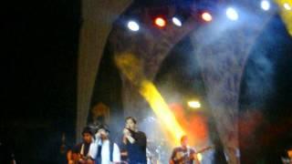 Andy & Lucas - Comienzo del concierto Porque contigo me voy (FuenteVaqueros5JUNIO2013)