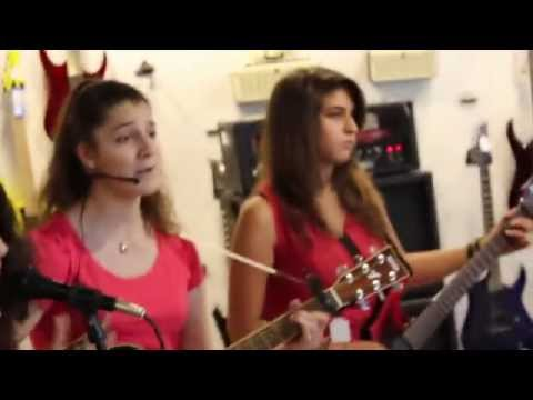 Happy - Pharell Williams Cover At Mozart Chahine JD Showroom by NAYN band