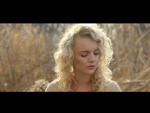 Chandelier Music Video