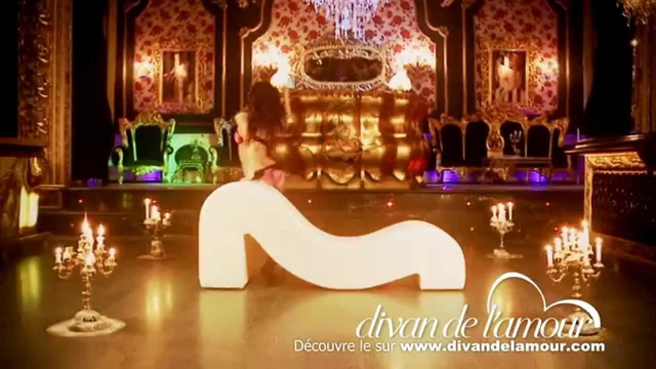 Videoclip fauteuil tantra fauteuil de l 39 amour un grand for Fauteuil divan
