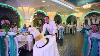 Падение свадебного торта