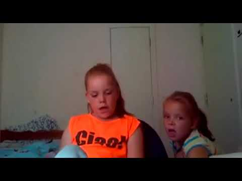 Scottish mom yells at kids for not flushing the toilet😹