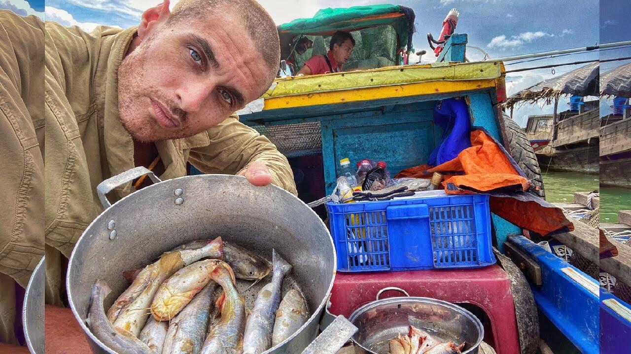 I cooked fish for my Vietnamese friend | Nấu Cá Cho Anh Bạn Việt Nam Và Cái Kết..