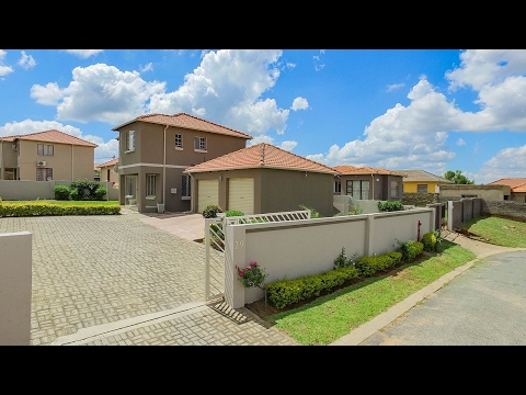 3 Bedroom House for sale in Gauteng | Johannesburg | North Riding To Lanseria | Cosmo C |