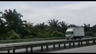 Man driving lorry against traffic does not have driving licence