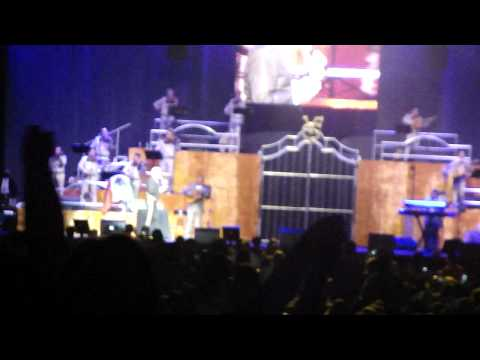 De que manera te olvido Vicente Fernandez en vivo Madison Square Garden