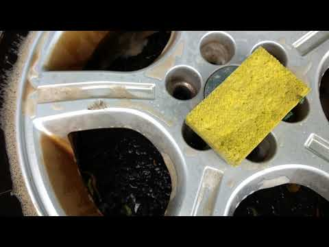 Cleaning heavy brake dust off aluminum rims