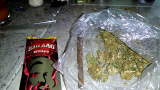Video HOW TO ROLL A ZIGZAG BLUNT WRAP!!!! download MP3, 3GP, MP4, WEBM, AVI, FLV September 2017