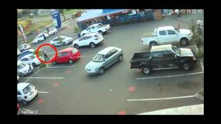 Repeat youtube video Crime South Africa Erasmuskloof car remote jamming