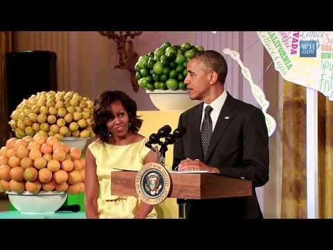 President Obama Surprises Kids Dinner At White House