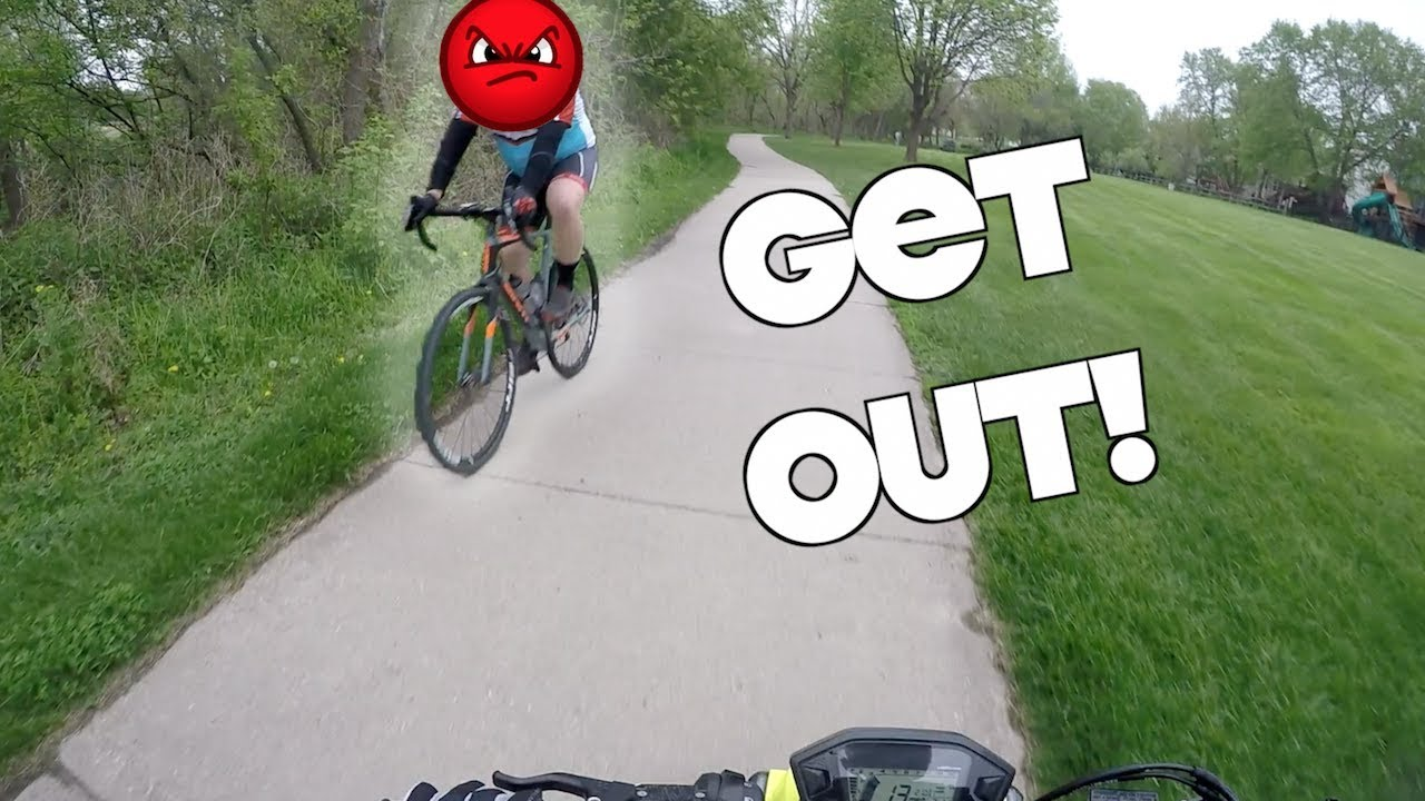 angry-cyclist-keith-vlogging-riding-through-recess