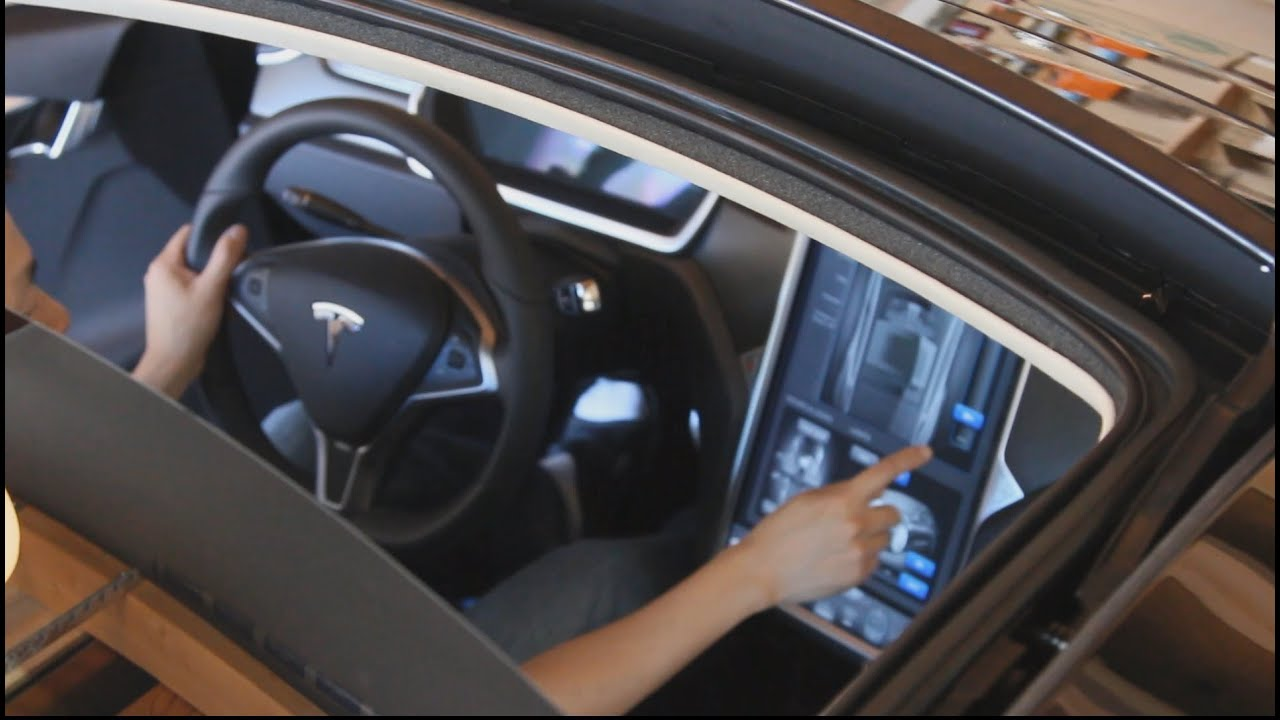 Tesla Model S All Glass Panoramic Roof Touchscreen