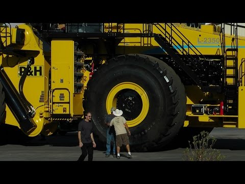 Facts on the worlds largest wheel loader