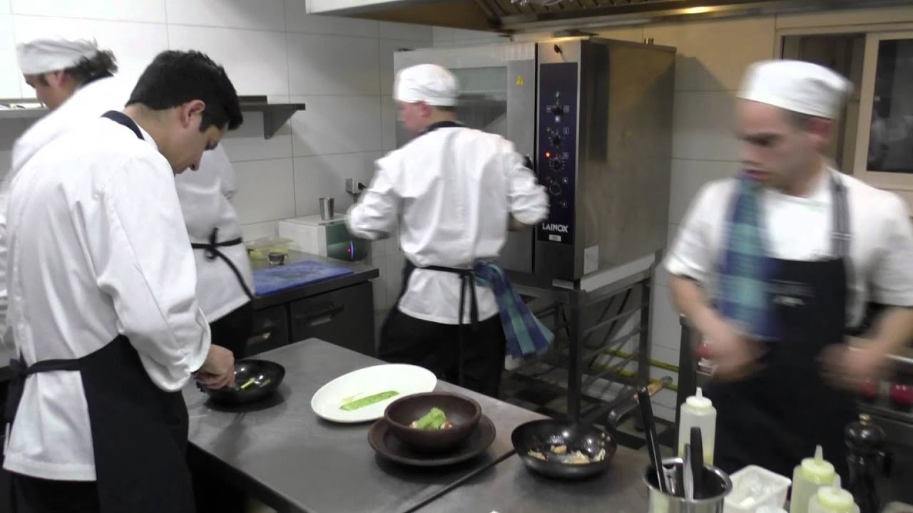 Busy Restaurant Kitchen busy kitchen at restaurant alegre in valparaíso, chile - youtube