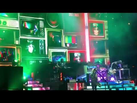 Guns N' Roses- Welcome To The Jungle - United Center - 2017