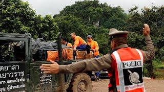 Comienza el rescate de los niños y su entrenador atrapados en una cueva en Tailandia