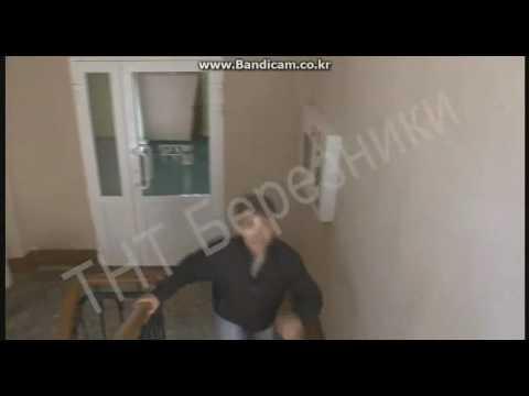 Аварийное вскрытие квартиры через окно с помощью промышленного альпиниста. Березники. Соликамск.
