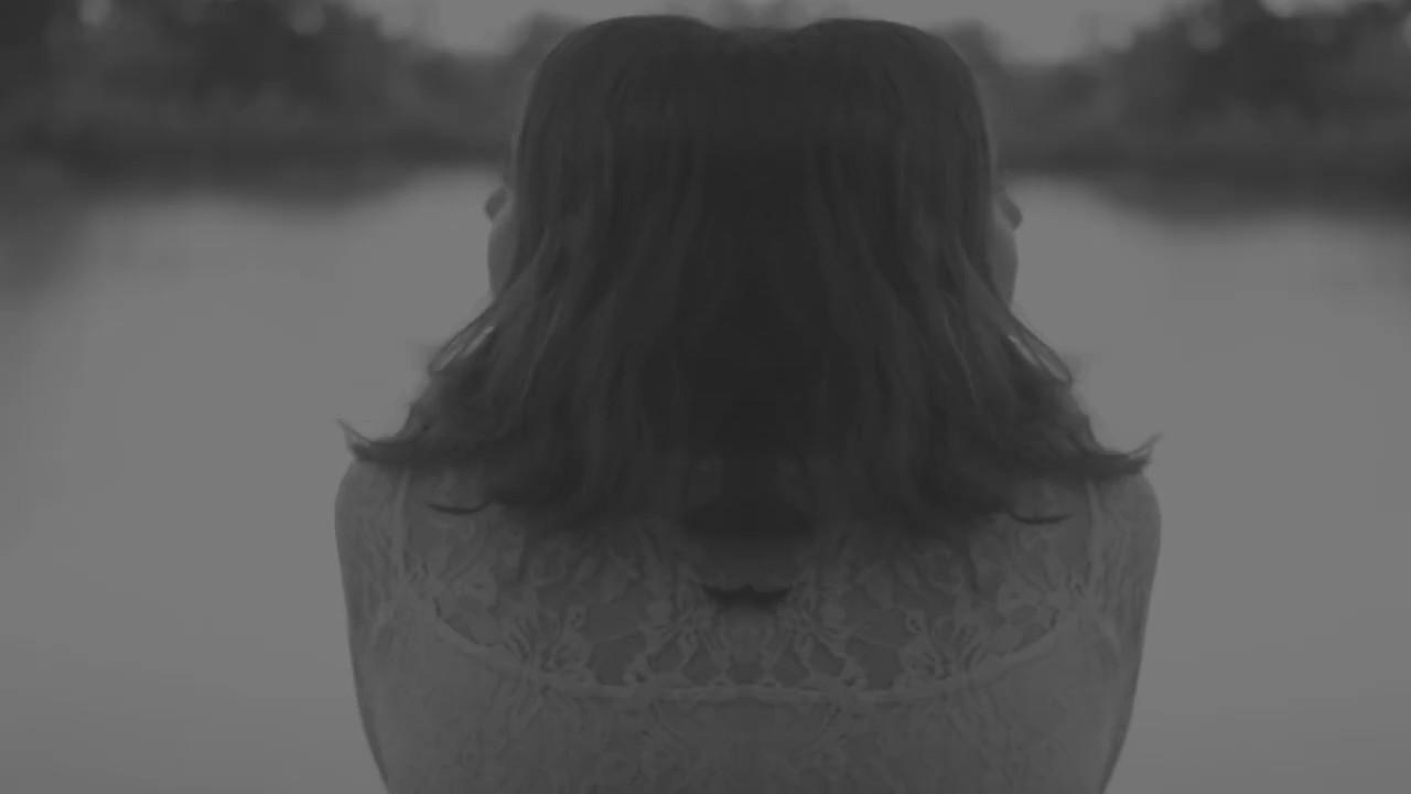Un Triángulo - El Río (Official Audio)