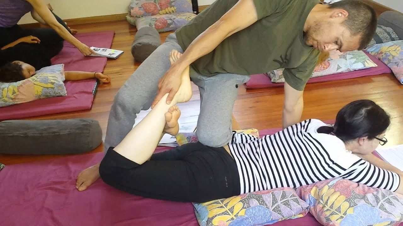 Thai Massage Training A Peak Into The Practice Youtube