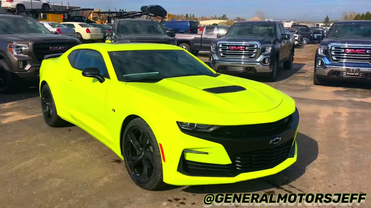 FIRST LOOK 2019 Camaro 2SS, SHOCK colour! - YouTube