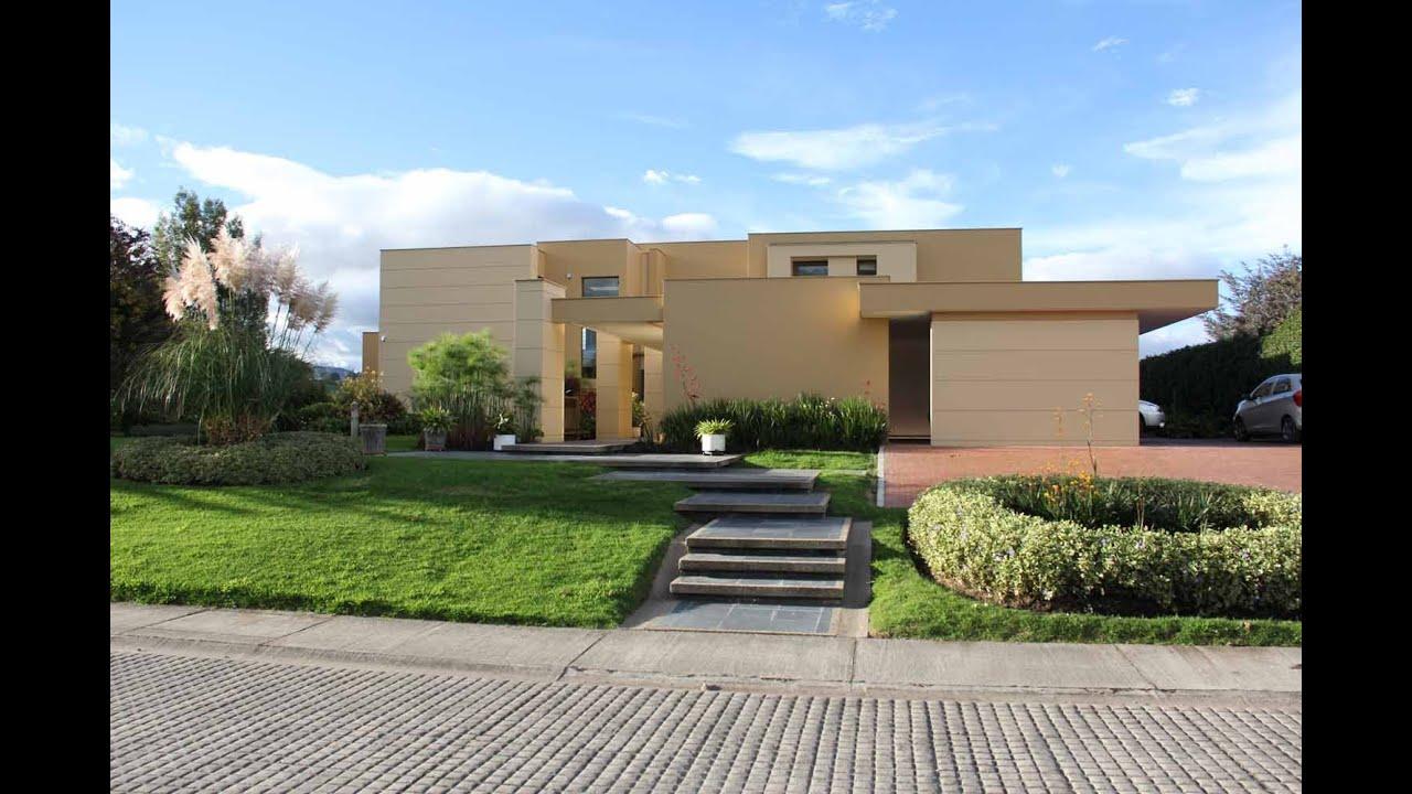 Casa moderna en exclusivo Club Pradera de Potos Via La