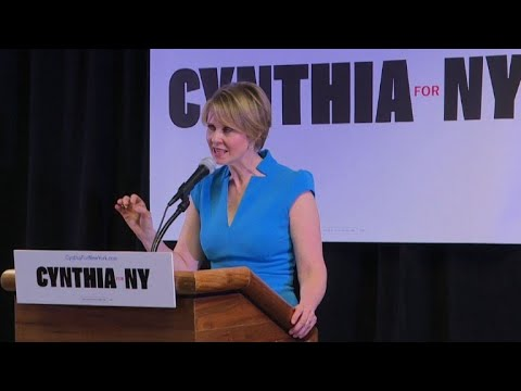 "Cynthia Nixon, de ""Sex and the City"", fait campagne à Brooklyn"