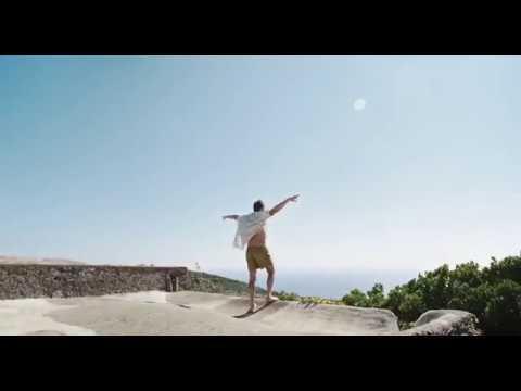 Рэйф Файнс танцует Emotional Rescue Rolling Stones (Большой всплеск)