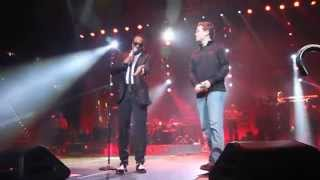 "Charlie Wilson brings Scotty McCreery on stage to sing ""Charlie, Last Name, Wilson"""