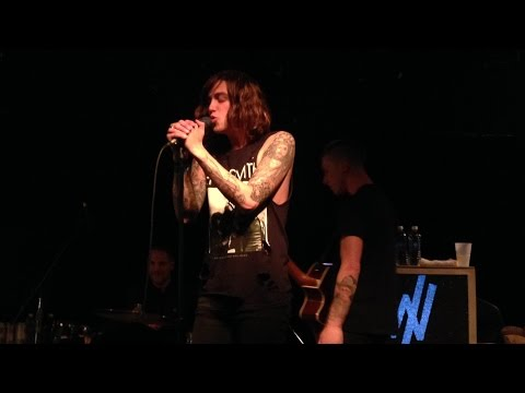 Sleeping With Sirens LIVE - Who Are You Now