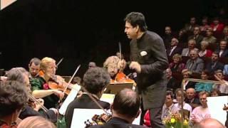 """J. Strauss: Polka """"Unter Donner und Blitz"""", Daniel Nazareth, conductor"""