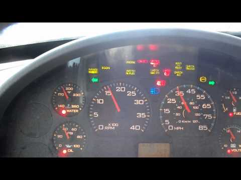 International 4300 DT466 Cold start - YouTube