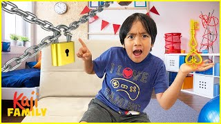 Ryan Escape Room Challenge vs ROBO COMBO!!