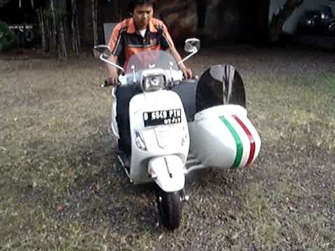 vespa piaggio s 150 with sidecar youtube. Black Bedroom Furniture Sets. Home Design Ideas