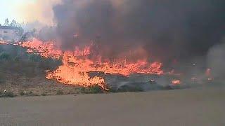 Fogos fustigam centro e norte de Portugal