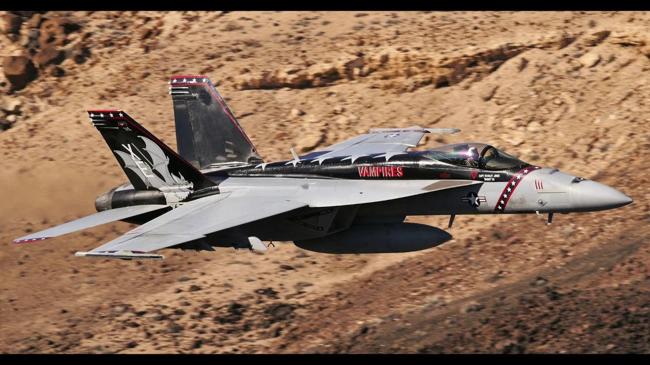 F-18 HORNETS DEATH VALLEY & MACH LOOP (4k) - YouTube
