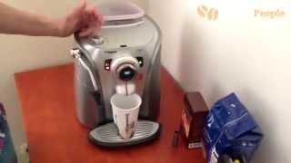 Чистка, удаление накипи, декальцинация кофемашины Saeco Odea Go (Giro)(В данном видео http://coffeepeople.com.ua/, демонстрирует чистку / удаление накипи кофемашины саеко одеа го / джиро. Напо..., 2014-05-23T09:33:43.000Z)