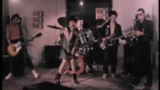 X Ray Spex - Oh Bondage! Up Yours! with lyrics