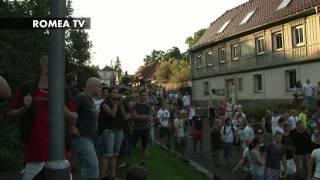 Rasisté v Rumburku: Cikáni do plynu! Černý svině! Upálíme vás!