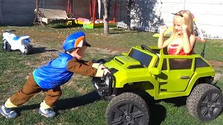 Funny Paw Patrol fixes a wheel that has fallen off the Jeep by Funny Timur