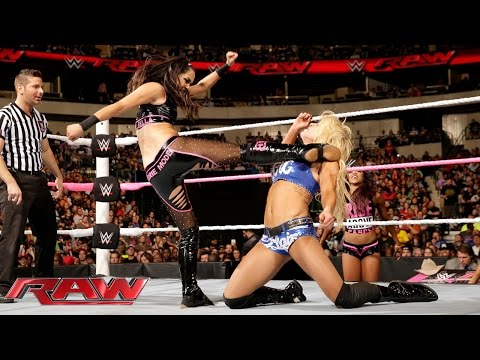 Charlotte vs. Brie Bella: Raw, October 19, 2015