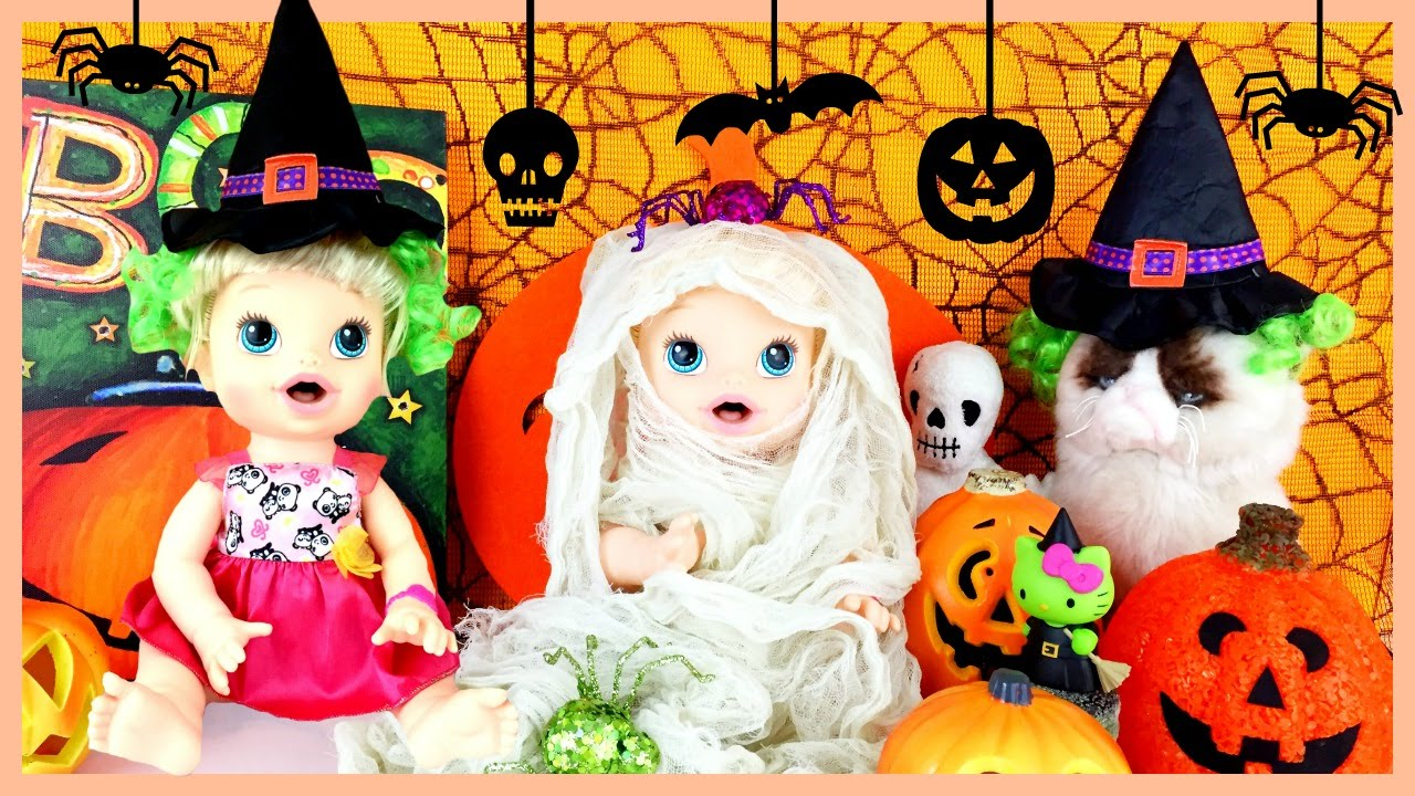 Baby Alive Wears HALLOWEEN Costumes! Mummy, Banana, Spider, Skunk ...