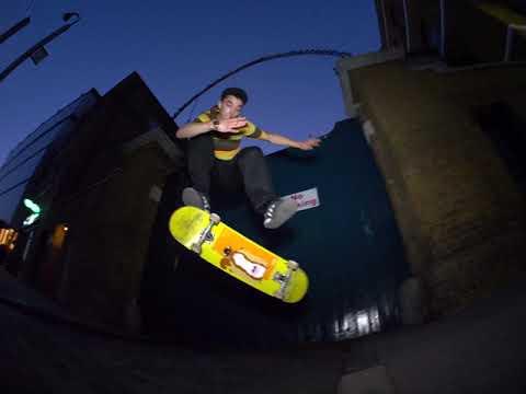 Javi Fioretto. Bienvenida a Enjoi Skateboards.