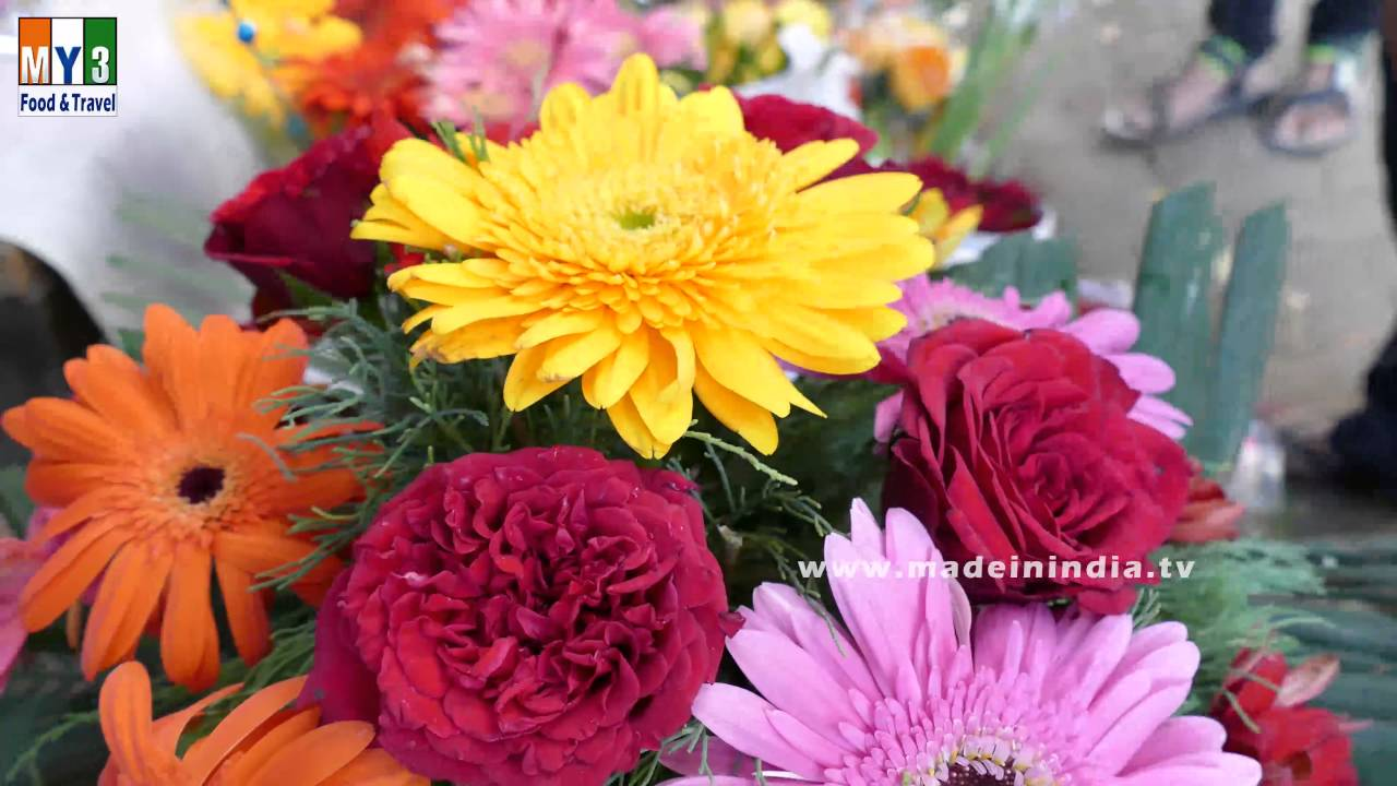 Colorful Flower Bouquet Making | ROADSIDE FLOWER BOUQUET SELLER ...